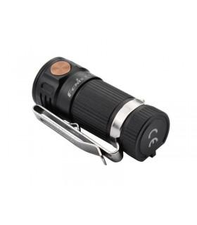 Fenix e.16 Torche LED porte-clés 51 mm noire, diamètre 20 mm, 700 lumens. Fonctionne avec un accu 16340 (non fourni)